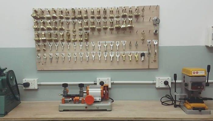 Las herramientas comunes de un cerrajero profesional